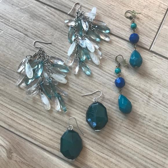 Jewelry - Dangly earring lot (3)